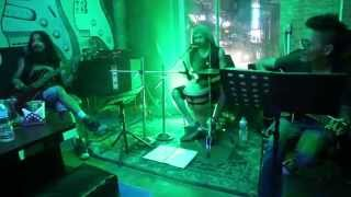 Lhasa Bar_ Sep 9, 2015 (siGn Band) Queen - I Want To Break Free