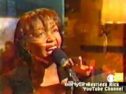 Anita Baker [LIVE] sings