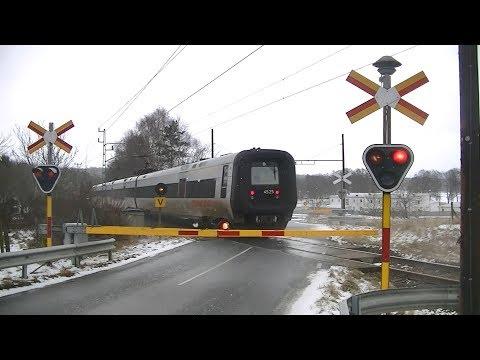 Spoorwegovergang Sölvesborg (S) // Railroad crossing // Järnvägsövergång