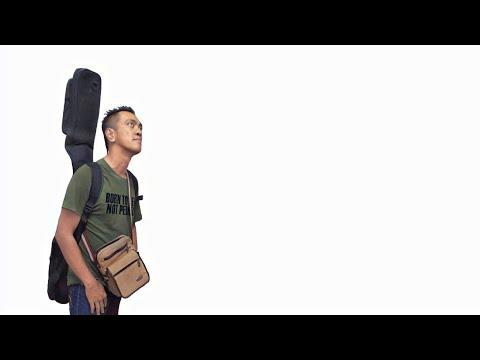 JAMAL ABDILLAH-AKU PENGHIBUR-BASS COVER By Lados (Bass solo) (headphone user)