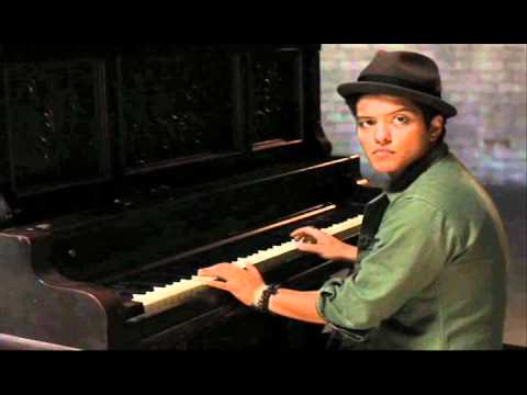 Bruno Mars- Talkin to The Moon [With Lyrics]