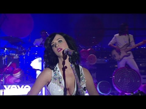 Katy Perry - Thinking Of You (Live on Letterman)