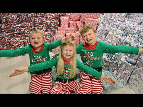CHRISTMAS MORNING OPENING PRESENTS | EMOTIONAL REACTIONS PART 1