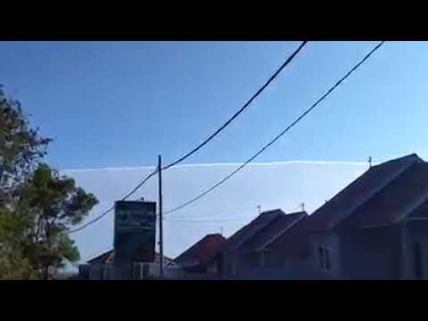 FLAT EARTH - HAARP Before Eartquakes Bali (Indonesia) thumbnail