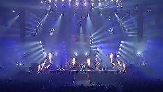 夏フェスタ1日目横浜アリーナの映像です。 コメントにあった曲を3曲続け...