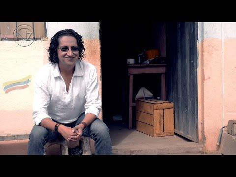 Narvaez feat. Taribo – Cantarle al Ecuador (Video Lyric)