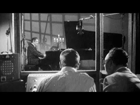 Liberace's TV-Show: Columbia record studio, playing Chopin's f sharp minor nocturne (1950's)