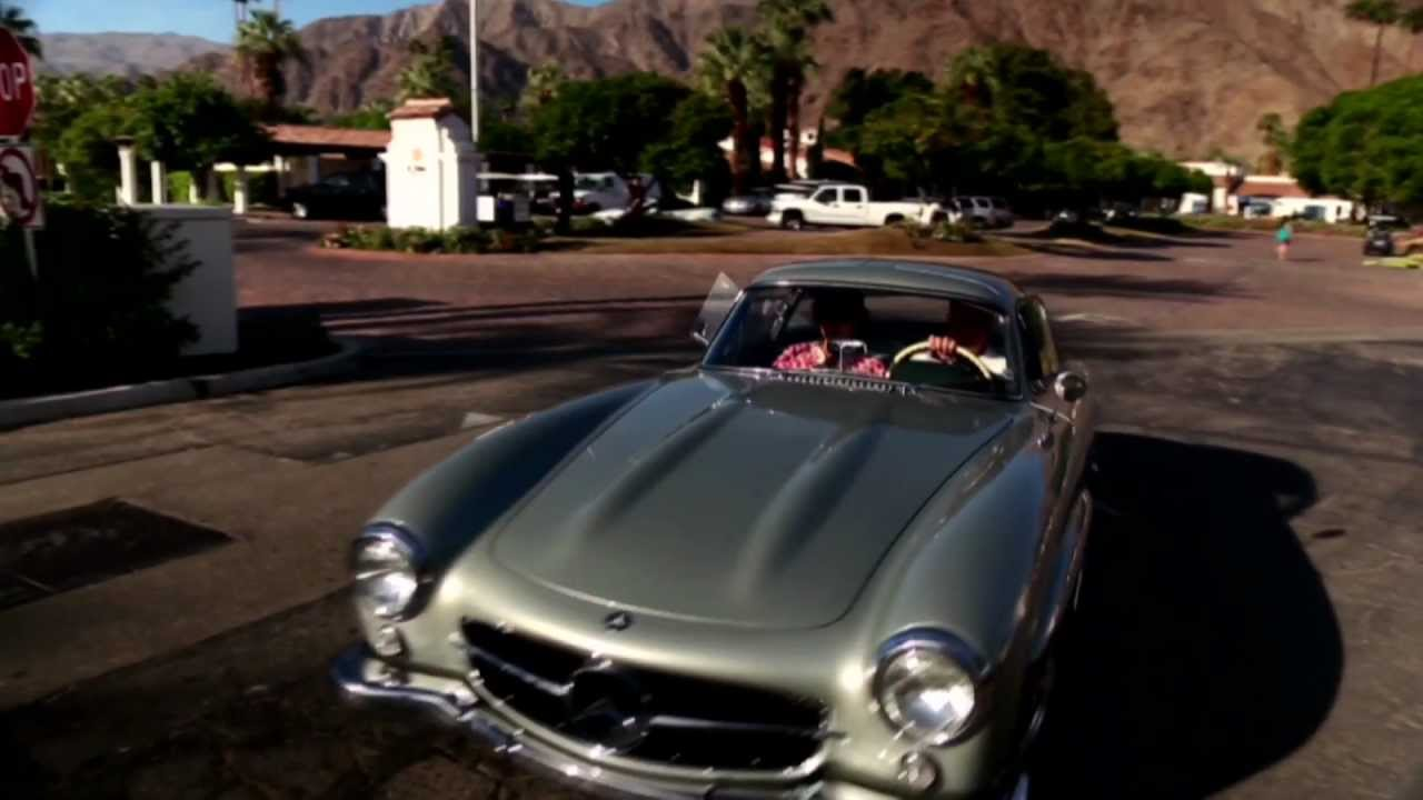 Mercedes-Benz TV: Gull wing convention 2012.