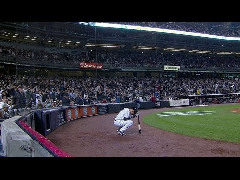 Jeter lines an RBI double in final home game