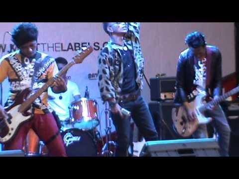 LELAKI BAND - MAAFKAN (LA Meet The Labels 2014)
