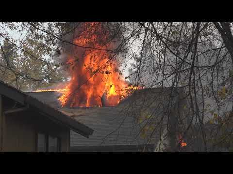 Nov 1, 2018: Federal Way, WA 2 alarm apartment fire