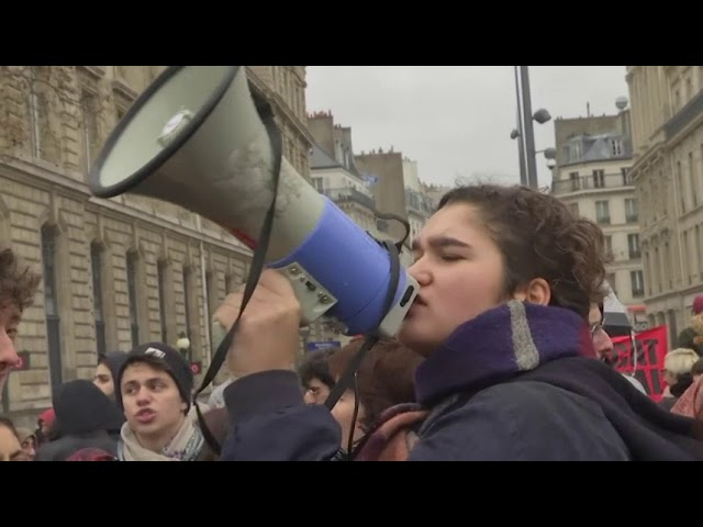 protesters-march-in-paris-as-arrests-fuel-tension
