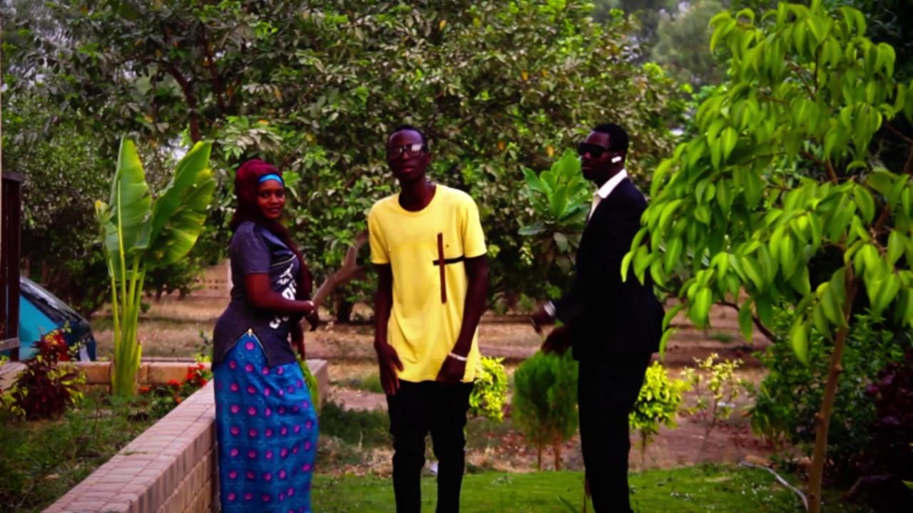 Download Wakar kwalam Hausa song (Hausa Songs / Hausa Films)