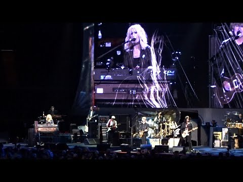 Fleetwood Mac Tell Me All The Things You Do LA Forum 12/13/18