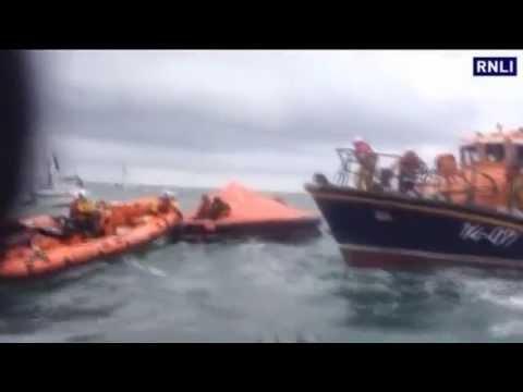 Tall ship sinks off Irish coast