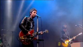 Noel Gallagher's HFB - AKA... What a Life! (Live at T in the Park 2012)