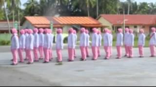 Kawad Kaki Puteri Islam Maahad Saniah Pasir Puteh Kel Peringkat Zon 5 2013