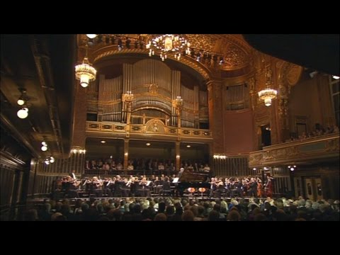 Cyprien Katsaris live in Budapest - Bach: Concerto, BWV 1054 & Mozart: Concerto No. 21, K. 467