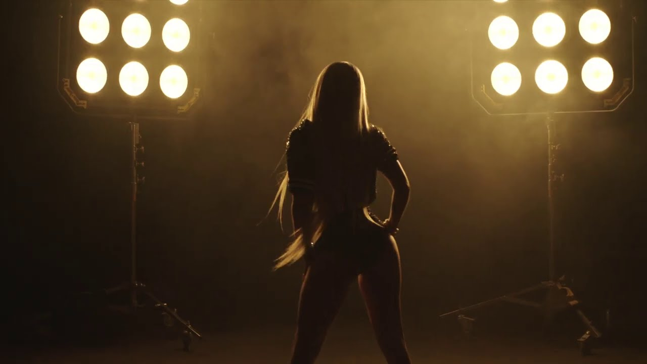 Download Chanel West Coast- 40 Yard Dash (Official Music Video)
