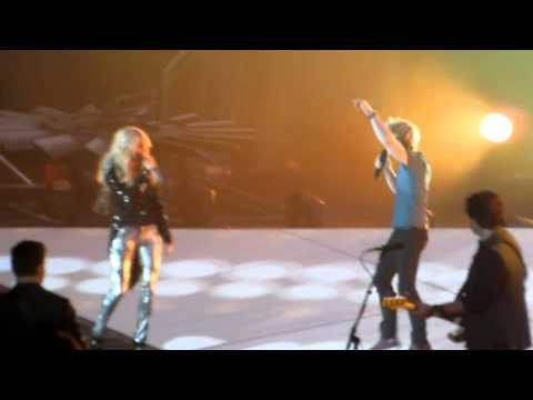 Carrie Underwood And Hunter Hayes - Leave Love Alone