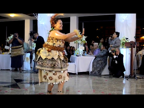 Tau'olunga - Tongan Royal Wedding Ball