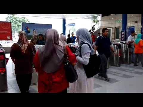 Hijab Walk for Hijab Event 2015(3) thumbnail