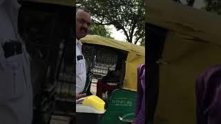 Delhi traffic police ki gundagardi