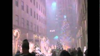Christmas in New York Rockerfeller Center snow storm 2010