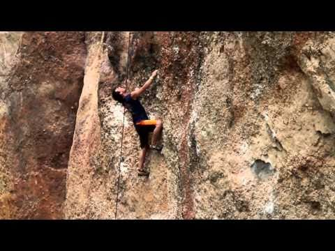 Free climbing in Colombia - Red Bull Psicobloc
