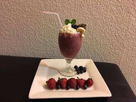 Strawberry, Blueberry, Banana And Orange Juice Smoothie