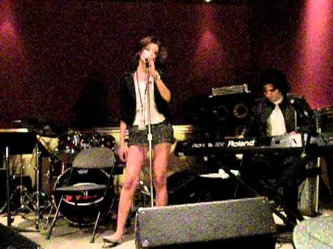 Sarah Idan - Listen To Your Heart