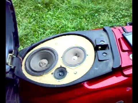 Głośniki w skuterze