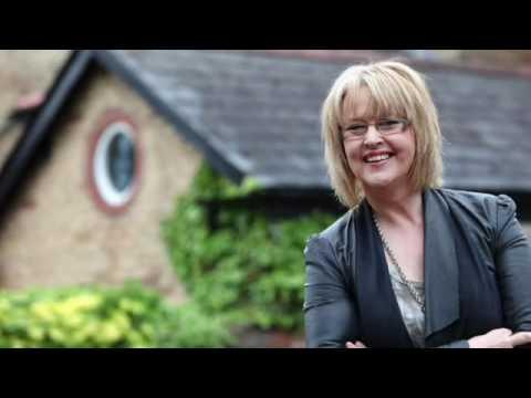 Caryl Parry Jones - Gorwedd Gyda'i Nerth