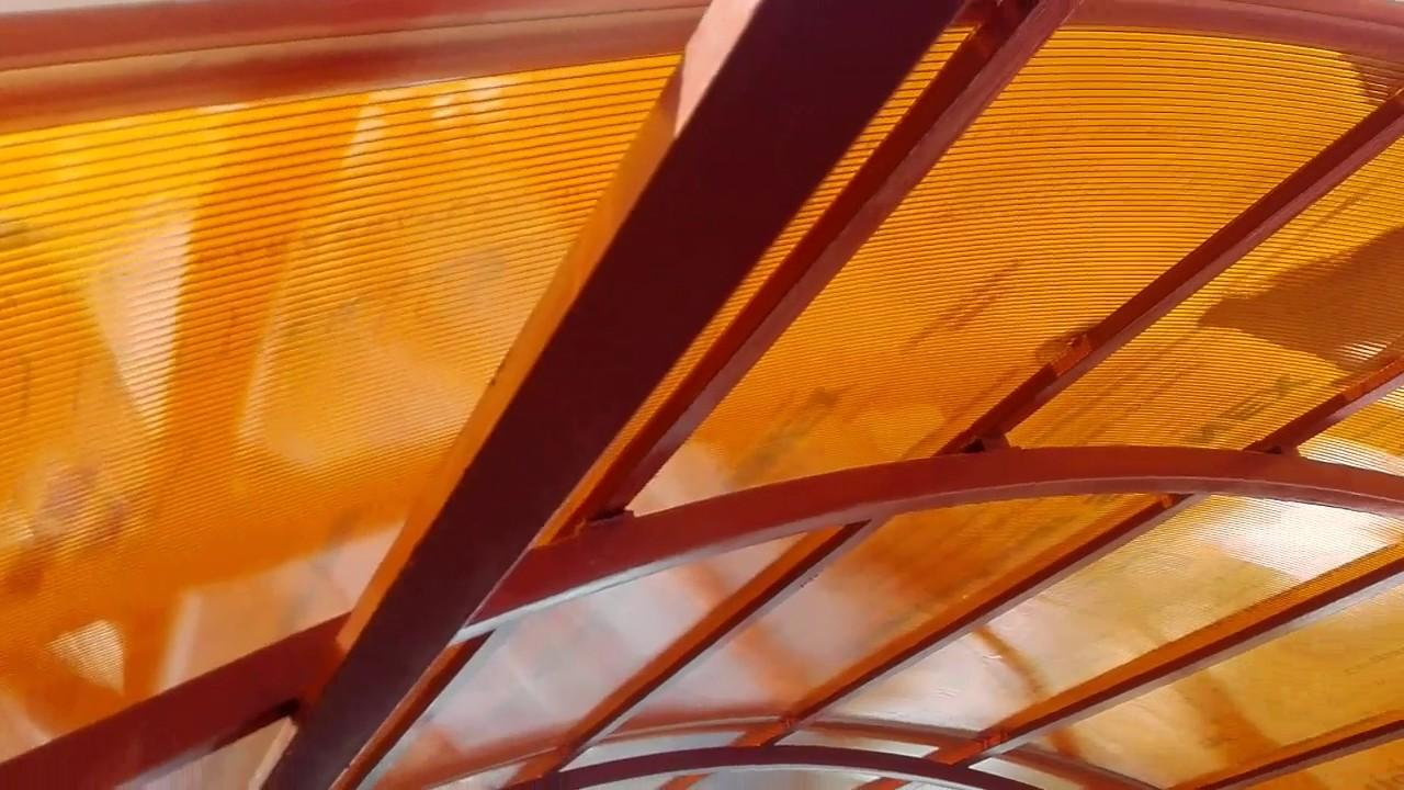 Как крепить соединительный профиль поликарбоната на арке. Стыковка листов поликарбоната