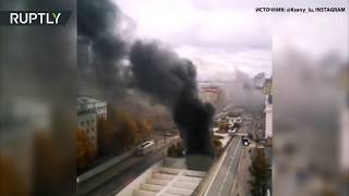 В тоннеле на севере Москвы загорелся автобус — видео