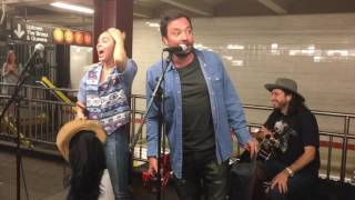 Miley Cyrus and Jimmy Fallon Surprise NYC Subway Performance...