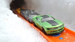 Hot Wheels Snow Day!