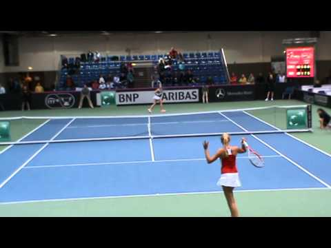 Donna Vekic hard fought victory over Julia Glushko - YouTube