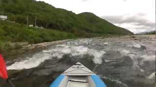風が強くてパラグライダー体験が中止。 風が強くても吉野川を下るリバー...