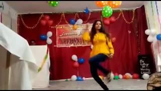 AANKH MARE, DESI DANCE आंख मारे ओ लड़की आंख मारे. ,Film सिंबा, रणवीर कपूर सारा अली खान #dance#masti