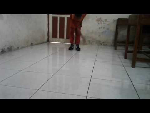 Crip walk Magelang by:bilal