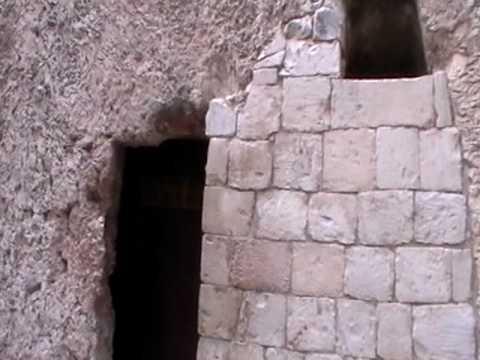 Resultado de imagem para terra santa tumulo de jesus