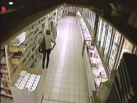Девушка насрала кучу в супермаркете, думала никто не увидет