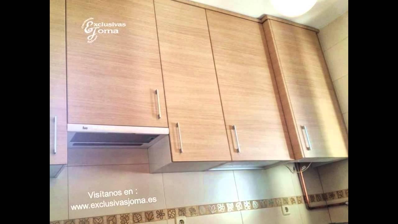 Muebles de cocina en madera con encimera de formica