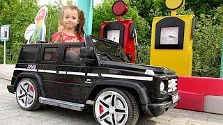 Ulyana Ride on POWER Wheel car Mercedes G55
