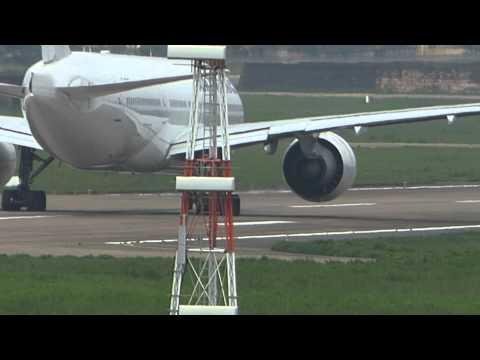 01-08-2014 (Excerpt) Air France 777 Emergency Stops !