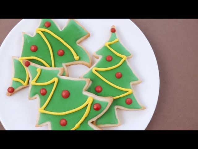 how to decorate christmas sugar cookies howcast the best how to videos