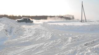 Сугроб / Nice-Car.Ru