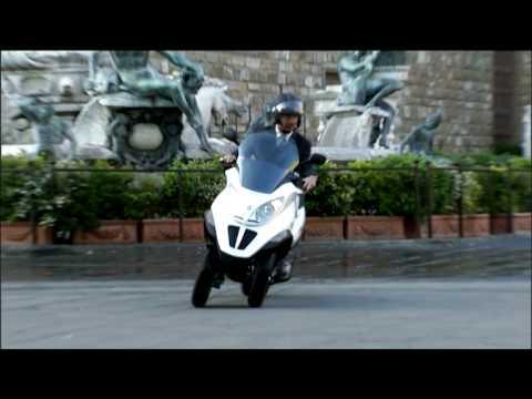 Piaggio MP3 Hybrid - Official Launch Video