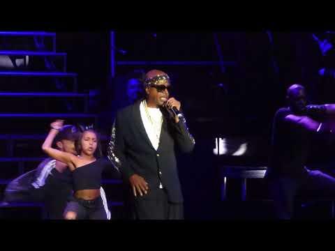 MC Hammer - Get It Started (Staples Center, Los Angeles CA 9/8/17)